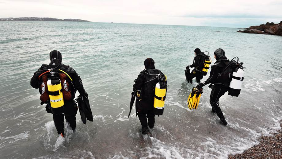 Ten Rules For Safe Scuba Diving